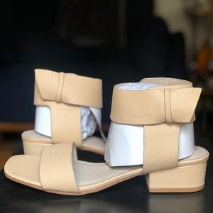 *Never worn* Matisse sandal, nude sz 10